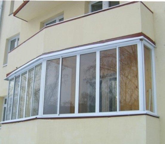 Варианты остекления балкона: остекление балкона деревянными .